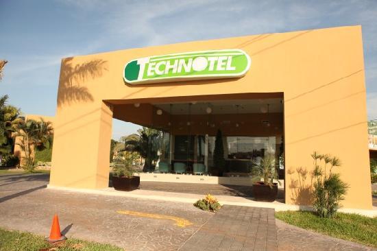 Technotel Merida Norte: FACHADA LOBBY