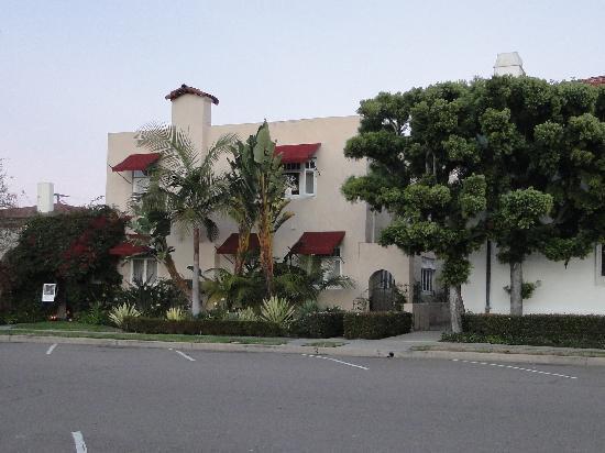 The Bed & Breakfast Inn at La Jolla: Inn front view