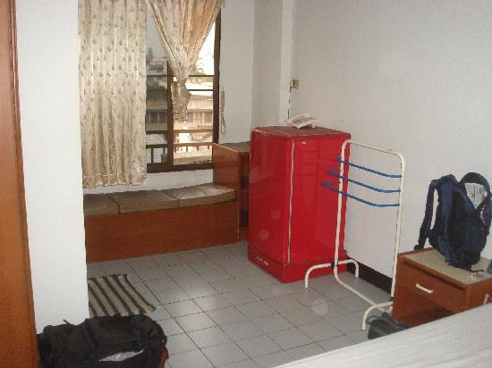 Veerachai Court: 2号棟の部屋です