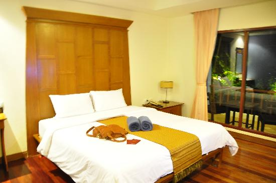 Patong Cottage Resort: our honeymoon room <3