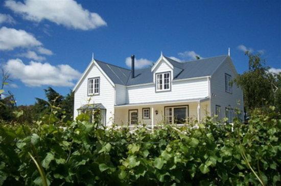 Tirohana Estate: The Vinestay
