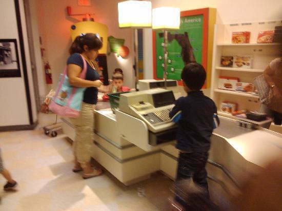 Miami Children's Museum : Kid sized Publix