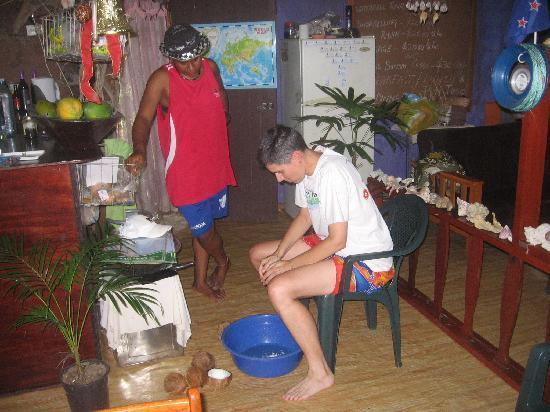 Danny's Village Homestay: Prepping coconut cream for lovo