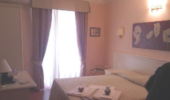 Adriana e Felice - Rooms in Rome: Sweet honeymoon suite by our request