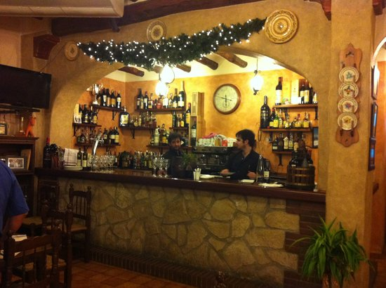 Ca Rafel : The well-stocked bar