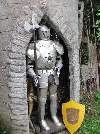 Kuriositatenmuseum Haus Safari: knight in armor