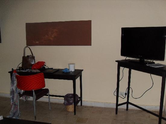 Villa Soudan: bureau (wifi) et tele
