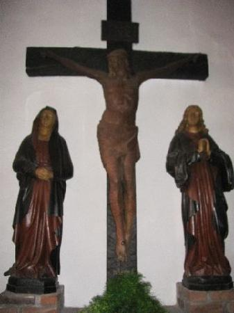 St Apollinaris: crucifixion group