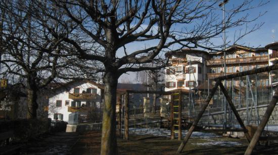 Hotel La Montanina: parco giochi vicino all'hotel