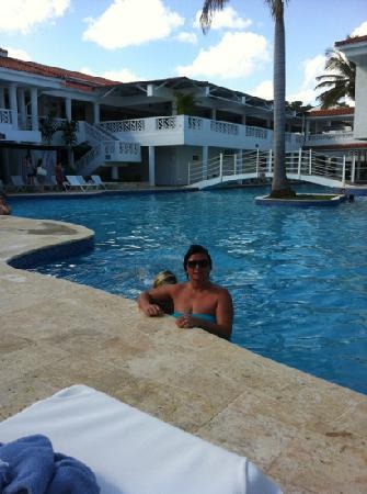 Hotel Beach House Playa Dorada: pool fab little chilly tho