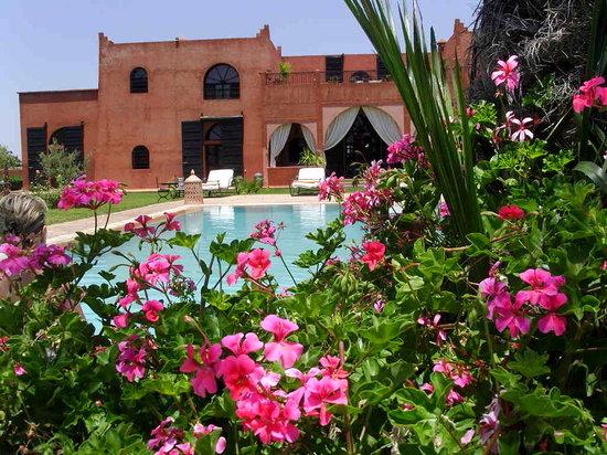 Al Riad Inou