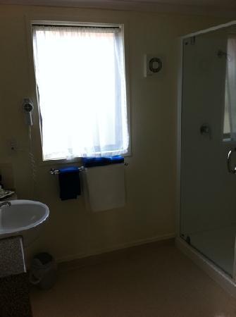 بيلا فستا موتل هاميلتون: bath room