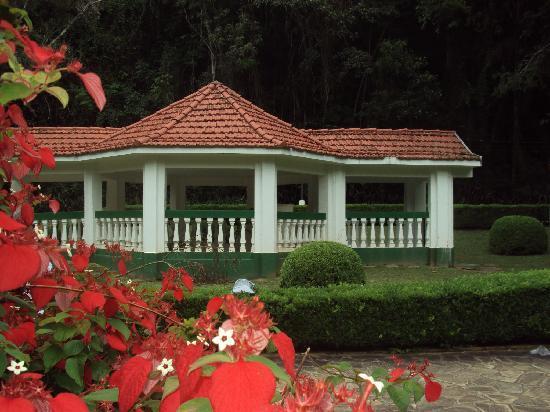 Granada Hotel: Parque das águas.