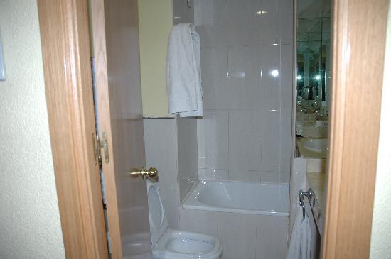 Hostal Laris: bagno normalissimo