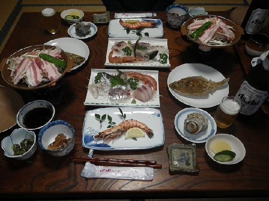 Minsyuku okage sou : 新鮮な海の幸が盛り沢山の夕食
