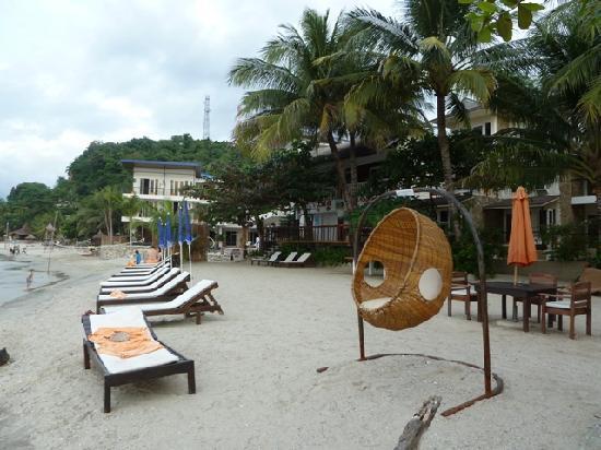 Sunset at Aninuan Beach Resort: Der Aussenbereich