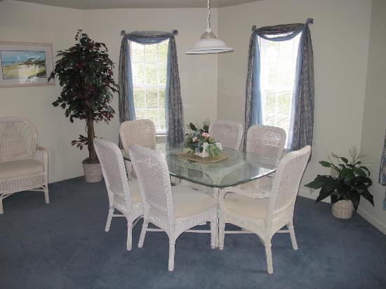 Barrier Island Station at Kitty Hawk: Dining Area