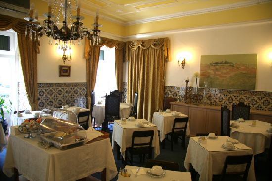 Casa De Sao Mamede: breakfast room
