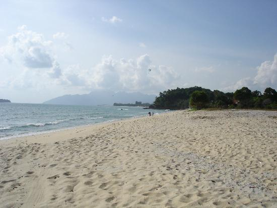 Zackry Guest House: The beach near to the guesthouse