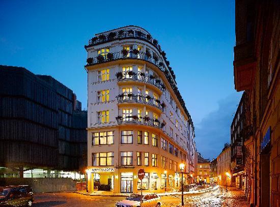 Astoria Hotel: Exterior