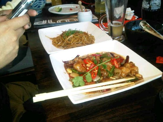 Dim T - London Bridge : sweet & sour spicy chicken with noodles - was good!