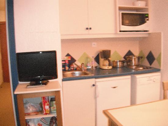 Pierre & Vacances Résidence La Rostagne : cucina
