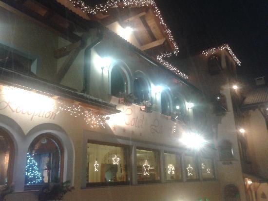 Family Hotel La Grotta: esterni..