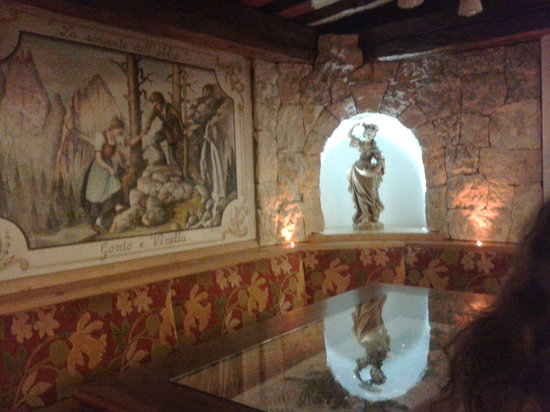Family Hotel La Grotta: ci sediamo tutti insieme?