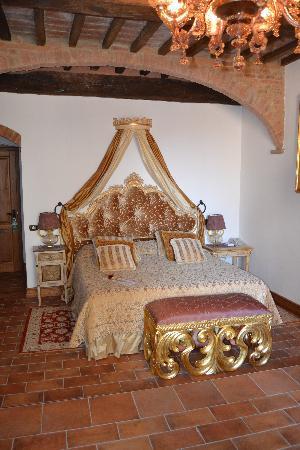 Antica Dimora Le Contrade: il letto della nostra camera