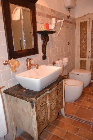Antica Dimora Le Contrade: il bagno della nostra camera