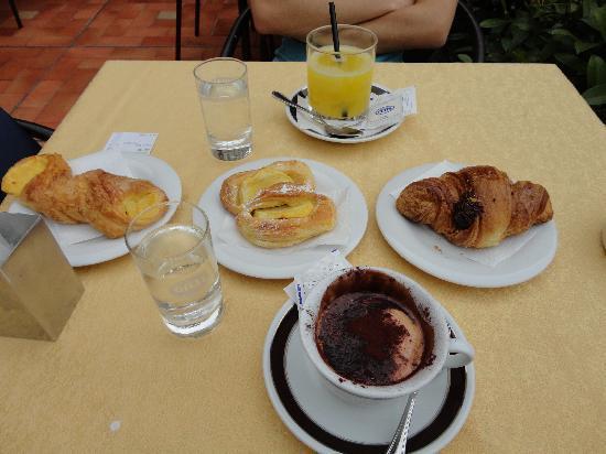 Hotel Medici: Le petit déjeuner piazza della repubblica