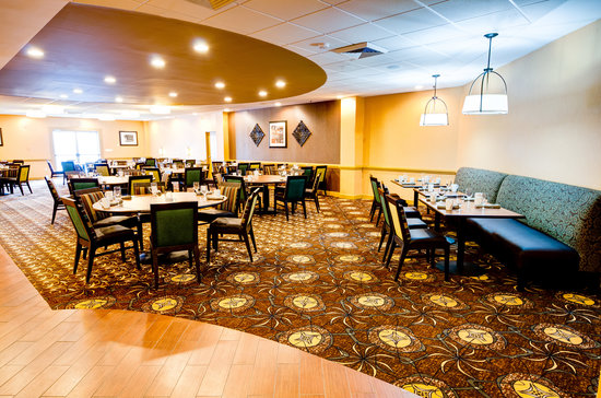 DoubleTree by Hilton Hotel Raleigh - Brownstone - University: Harvest Grille Restaurant-Harvest Grille