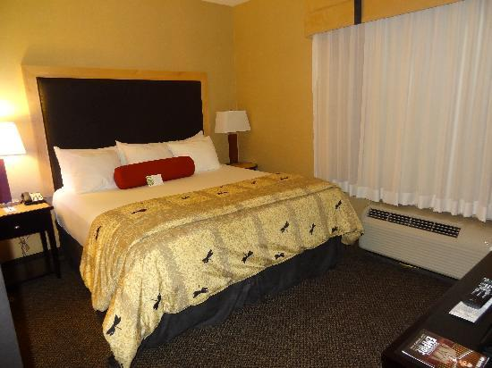 Cambria hotel & suites Raleigh-Durham Airport : Bed was extremely comfortable