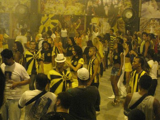 Rio by Guto: Samba school rehearsal Sao Clemente