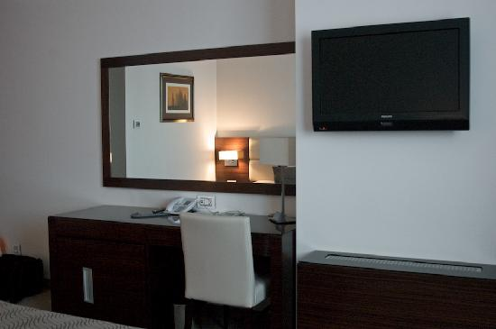 Hotel Aristos: Aristos: typical modern hotel room