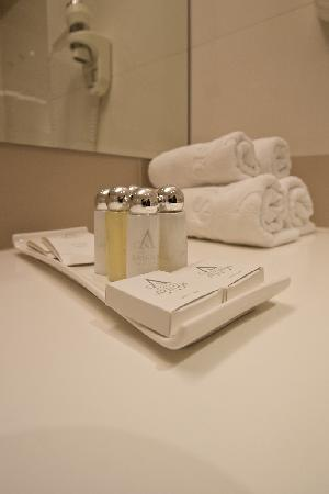 Hotel Aristos: Aristos: nice toiletries and ample towels