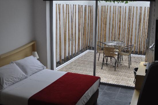 In House: Habitacion con terraza