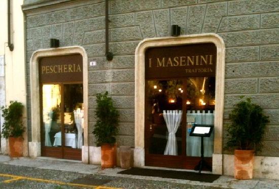 Pescheria i Masenini Trattoria: l'ingresso