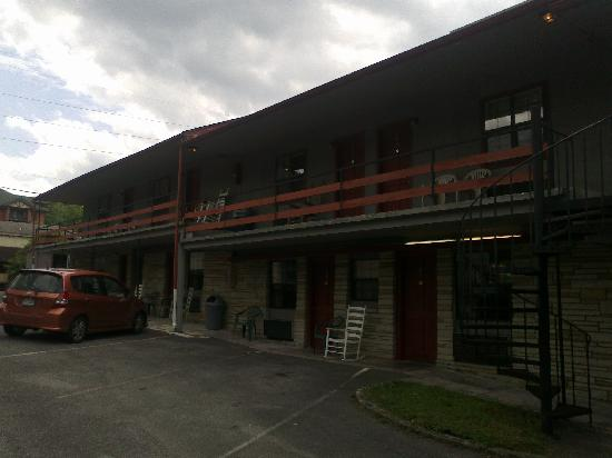 Bales Motel Picture