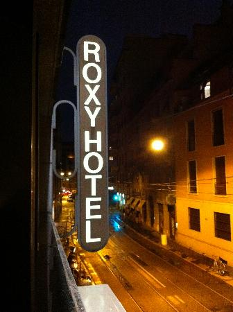 Hotel Roxy: The street where the hotel located at night