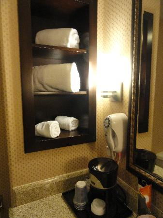 Holiday Inn Express Hotel & Suites Woodland Hills: bedroom