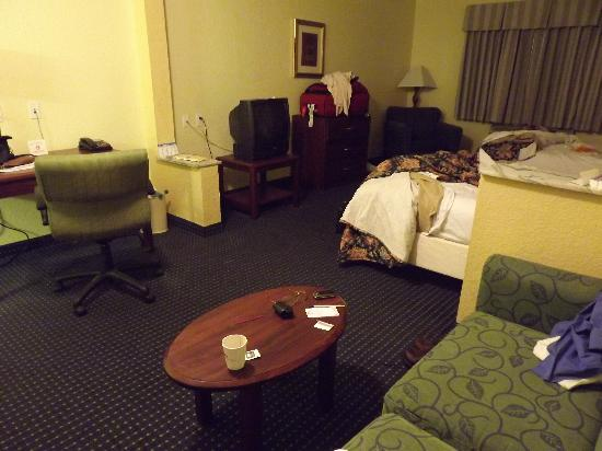 Howard Johnson Inn and Suites Central San Antonio: Sorry for the mess! Living space...