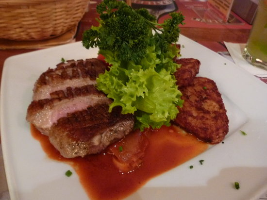 Cafe Vian: Duck Breast Hungarian Style