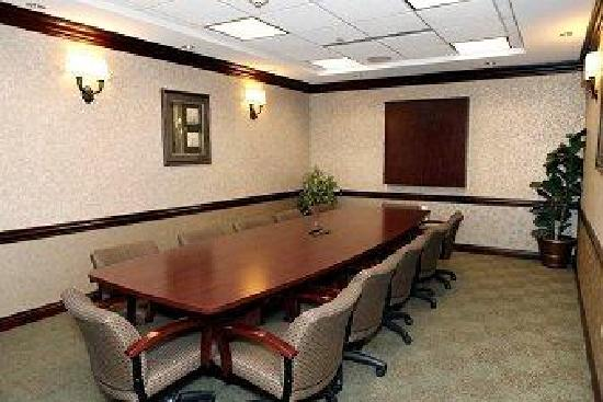 Holiday Inn Express & Suites - Medical District: Board Room for 12-15 persons
