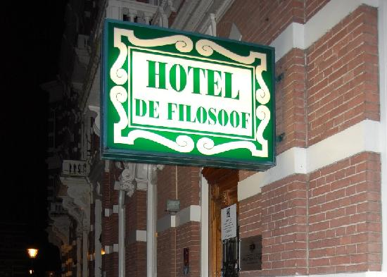 Sandton Hotel de Filosoof - TEMPORARILY CLOSED: L'ingresso dell'hotel