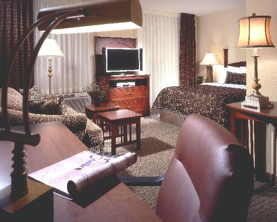 Staybridge Suites Lincoln I-80: Enjoy the spacious studio suite, with a queen bed and sofa sleeper.