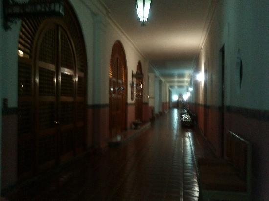 Tehuacan, Mexico: Pasillo de la planta Baja