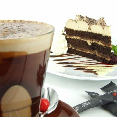 Gusto Restaurant: Coffee and cake