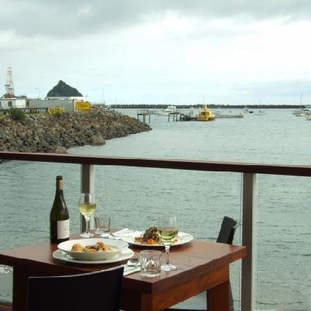 Gusto Restaurant: Outdoor dining