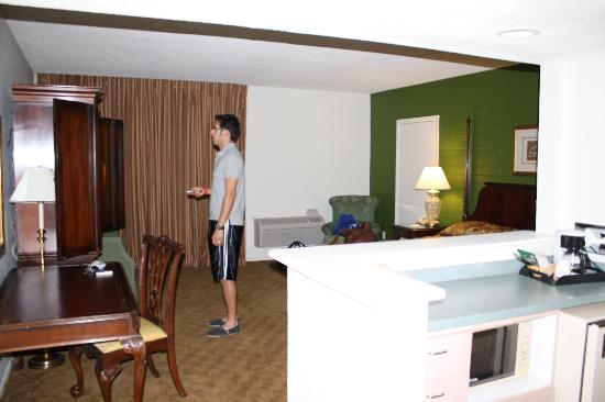 Windemere Hotel and Conference Center : room view from doorway